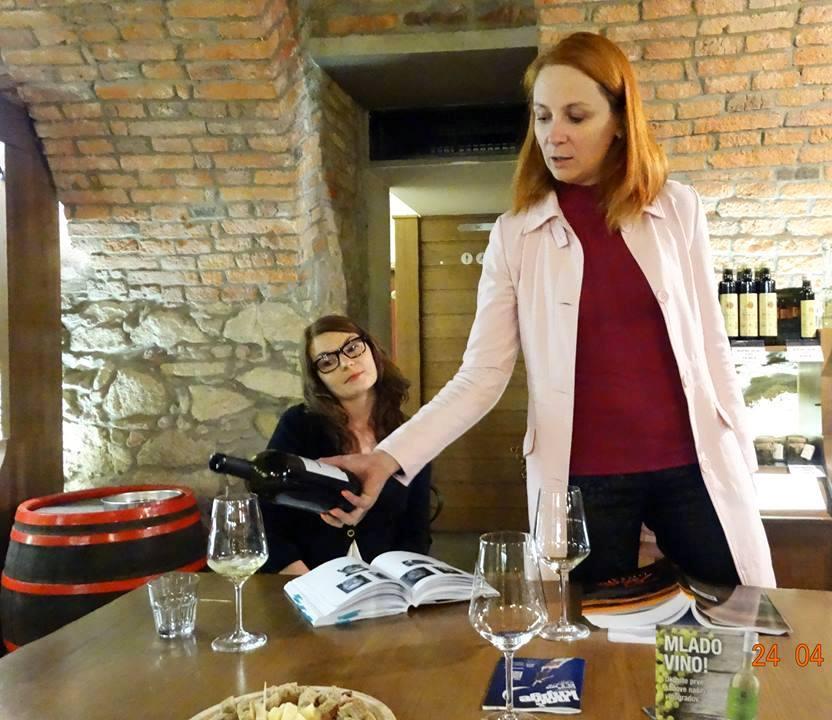 literarno-vinski-vecer-vinoteka-svetinjska-klet-8_kud-prasila